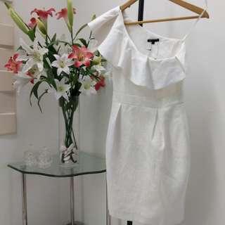New premium white toga cue dress