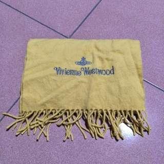 二手vivienne westwood 圍巾,義大利製,寬28長144不含鬚鬚,70%羔羊毛30% cashmere