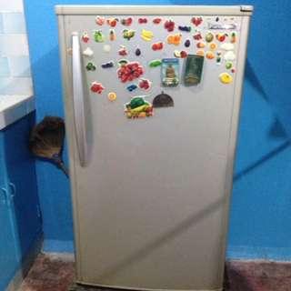 Panasonic refrigerator 4cuft