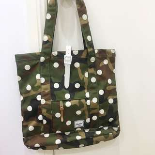 Herschel dotted bag