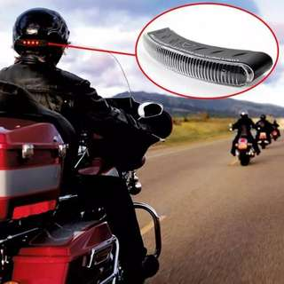 Helmet wireless brake and turn signal light