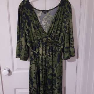 Piper Woman Plus Size Wrap Dress AU20