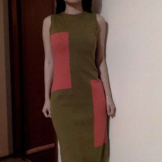 Abstract green knit dress