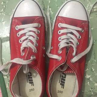 Sepatu kets brand malaysia