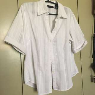White cover up polo ALL ITEMS MARKED * FOR 30 PESOS. 5 OR MORE 25 PESOS