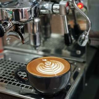 Barista and coffee machine rental for events