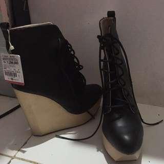 Sepatu zara boots wedges 38