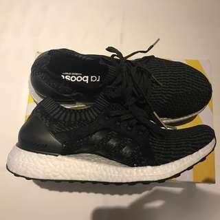 全新 Adidas Ultra boost 深灰 編織 運動鞋 23.5 號