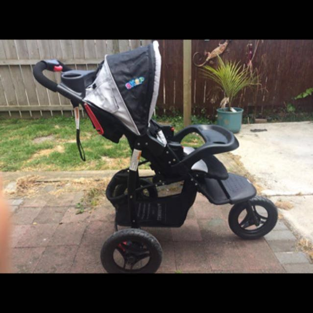 3 Wheeler jogger pram | black & grey