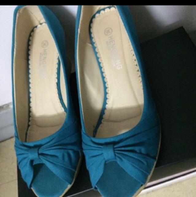 楔形露趾美鞋
