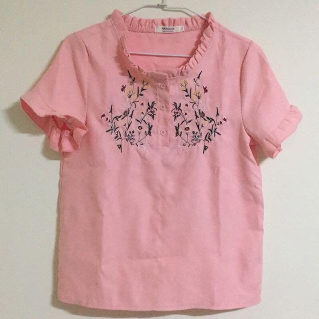 刺繡花粉紅上衣