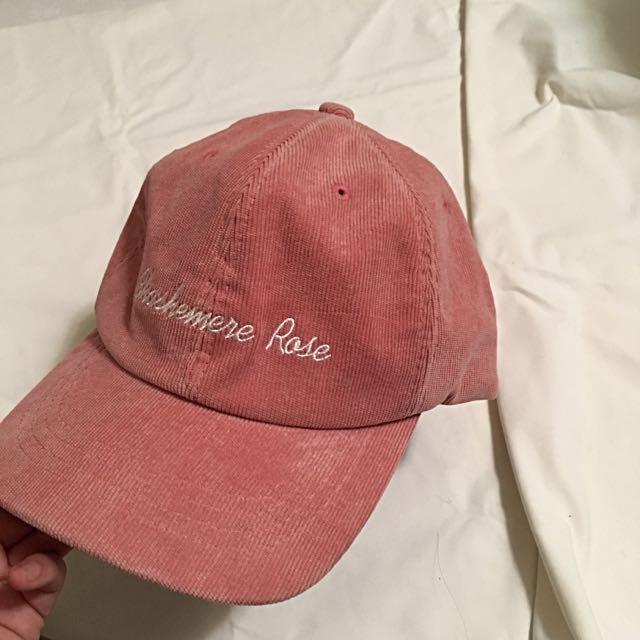 粉色燈芯絨彎帽 英文字母