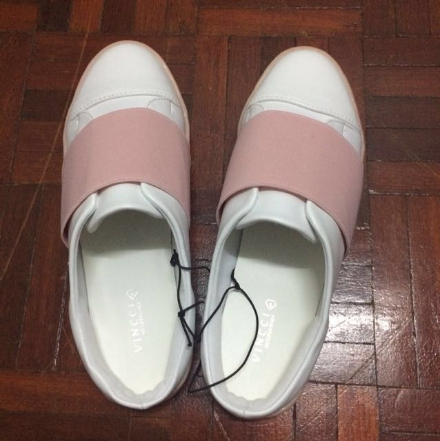 💕 🆕 BN with tag Vincci White, Pink Shoes