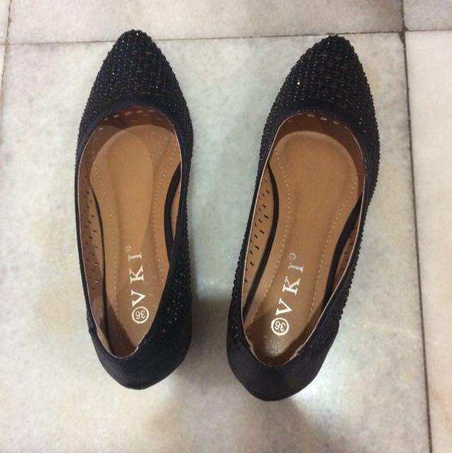 💕 VKI black heels / wedges
