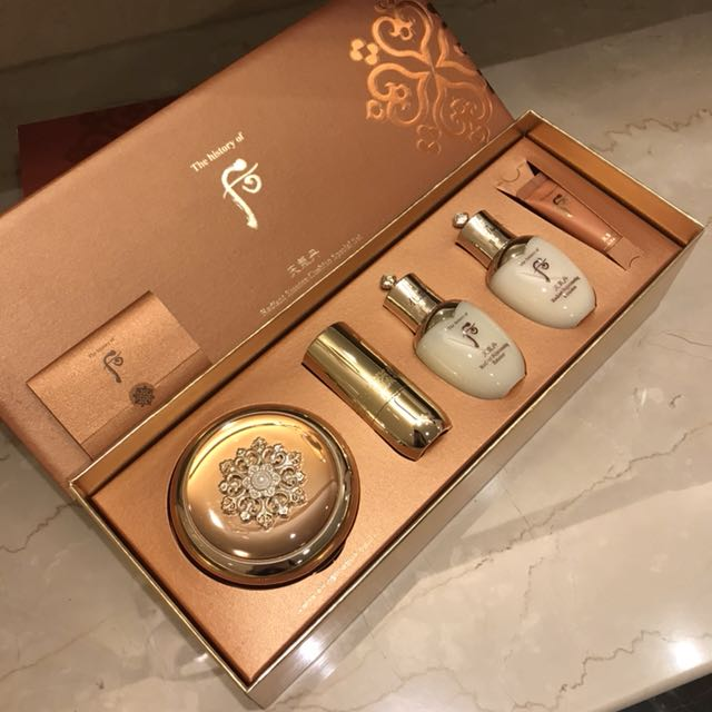 ✨ Whoo 后 ✨ 🔱 華炫蕾絲粉底氣墊皇后禮盒 💝