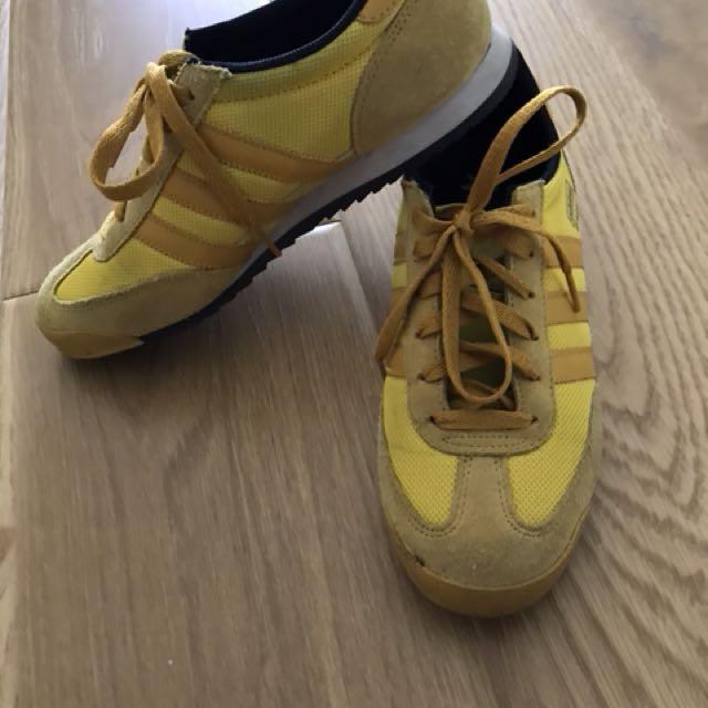 Adidas Dragon size 9/ EU 39/ 245 cm