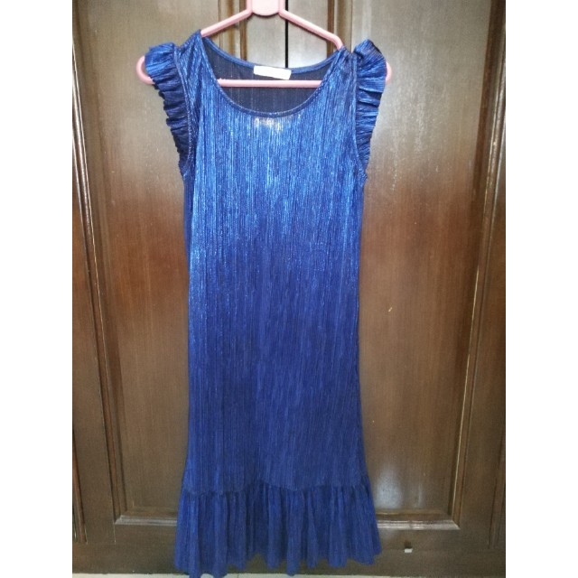 Authentic Mango electric blue pleated dress