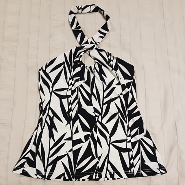 black and white top size 10