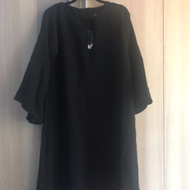 Black Dress Ball & Belly