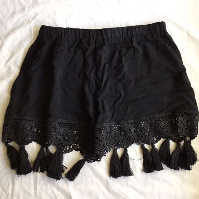 Black flowy shorts