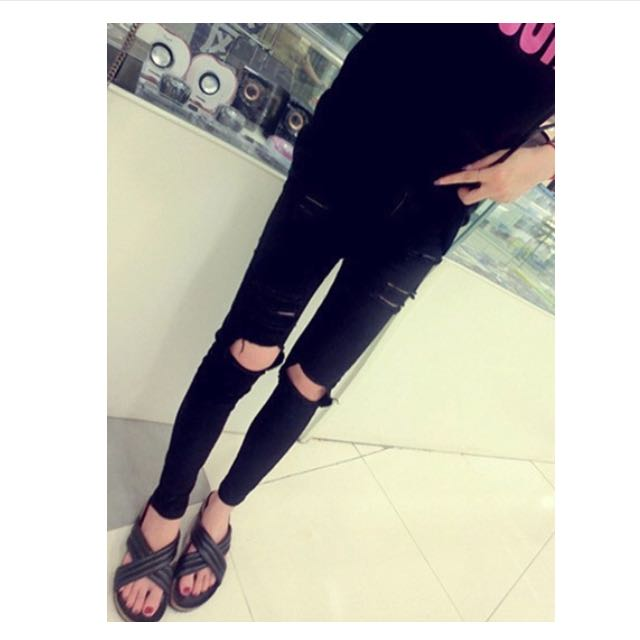 Black Ripped Jeans / Jeggings / tights