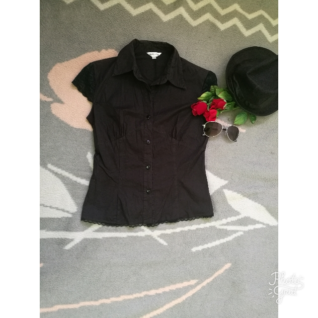 Black Short Sleeves Blouse (small)