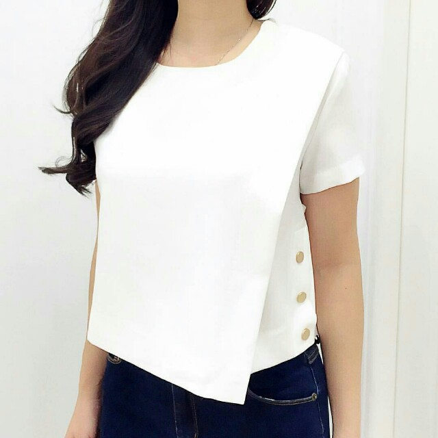 Button crop top