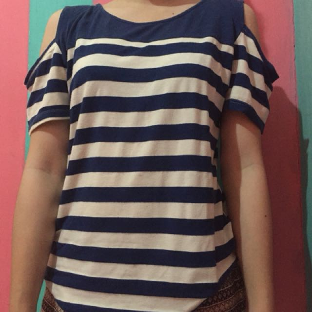 Cut off shoulder stripe