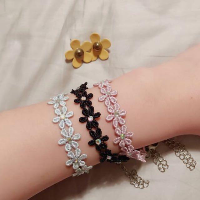 Daisy earring and bracelets