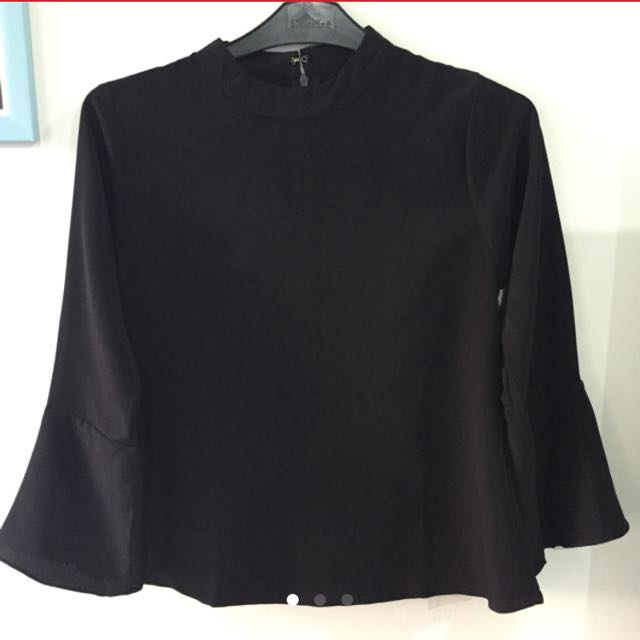 Flash sale! Black long top