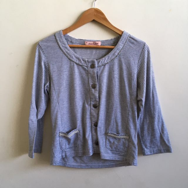 Folded & Hung Gray/White Top