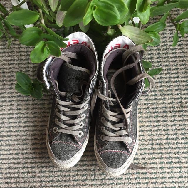 Grey denim converse sz 6.5w