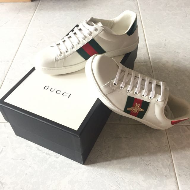 901033b61b7 Gucci Ace Bee-embroidered Leather Trainers BNIB
