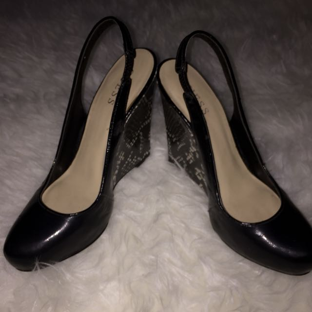 Guess wedges black
