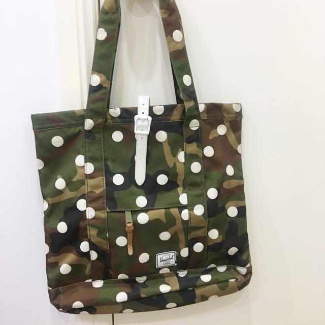 Herschel dotted bag