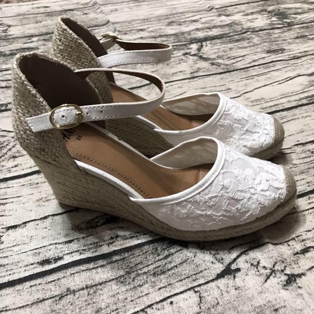 全新H&M白色蕾絲厚底鞋35