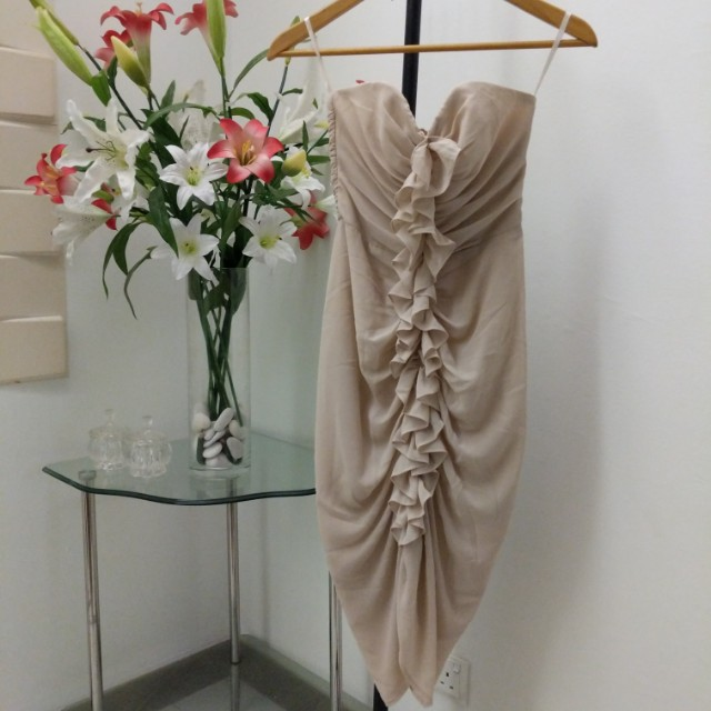 HNM nude ruffled dress