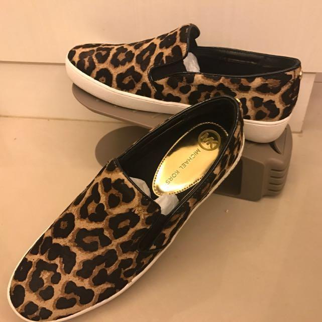 Michael Kors平底鞋