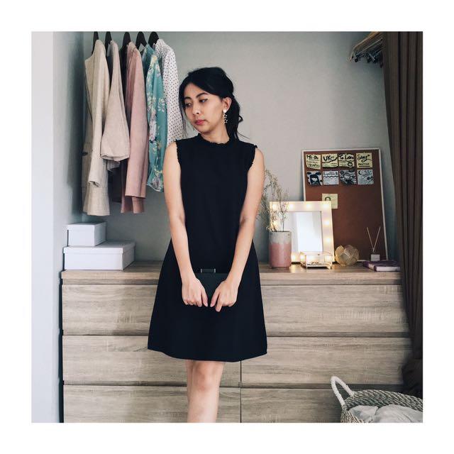 MINIMAL Black Dress