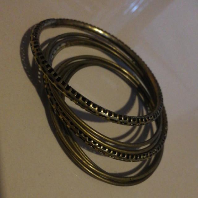 Nice bronze bracelet bangle