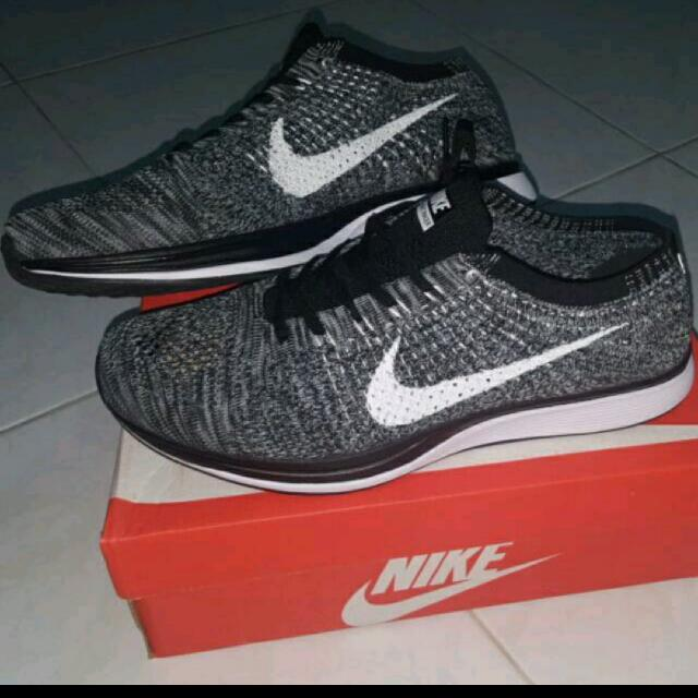 81a2abdcf743 nike flyknit racer oreo size 44   refer to above pic for more info