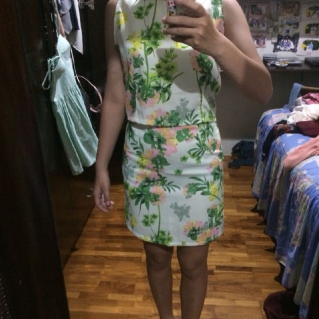 one set floral top and skirt