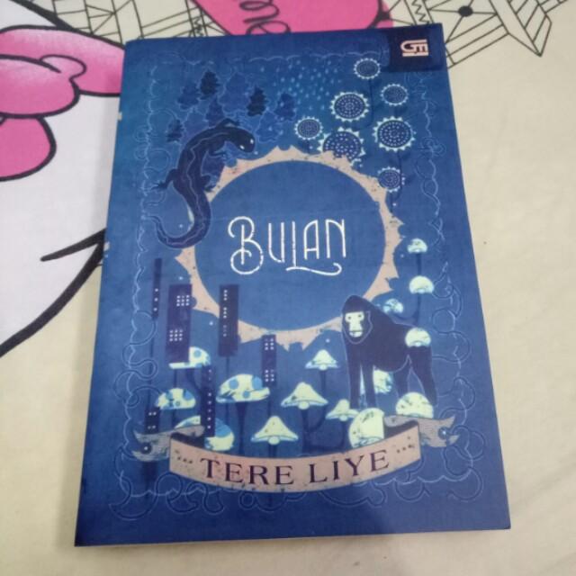 "Preloved Novel ""BULAN"" Tere Liye"