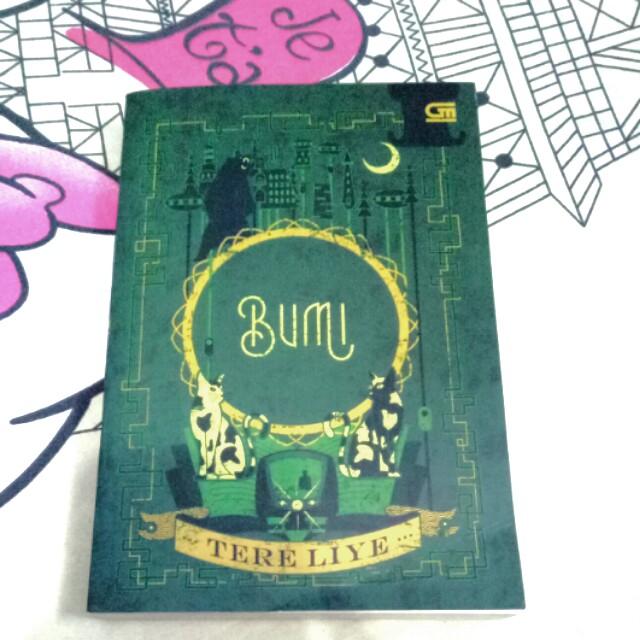 "Preloved Novel ""BUMI""  Tere Liye"