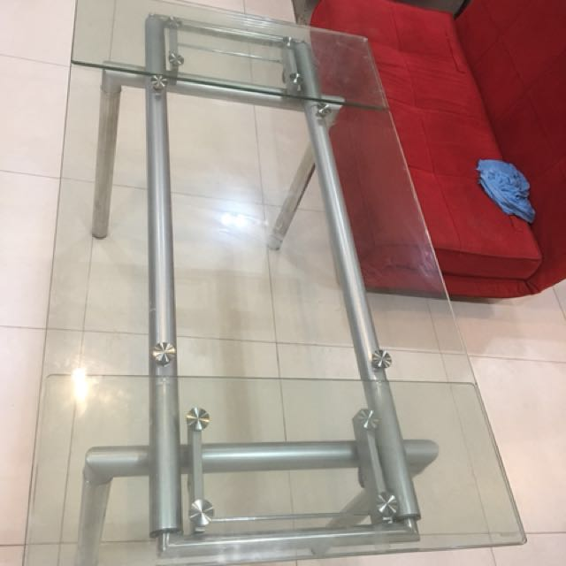 REPRICE!!! Extendable glass table