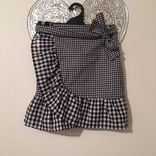 S6-8 gingham skirt! Removable tie