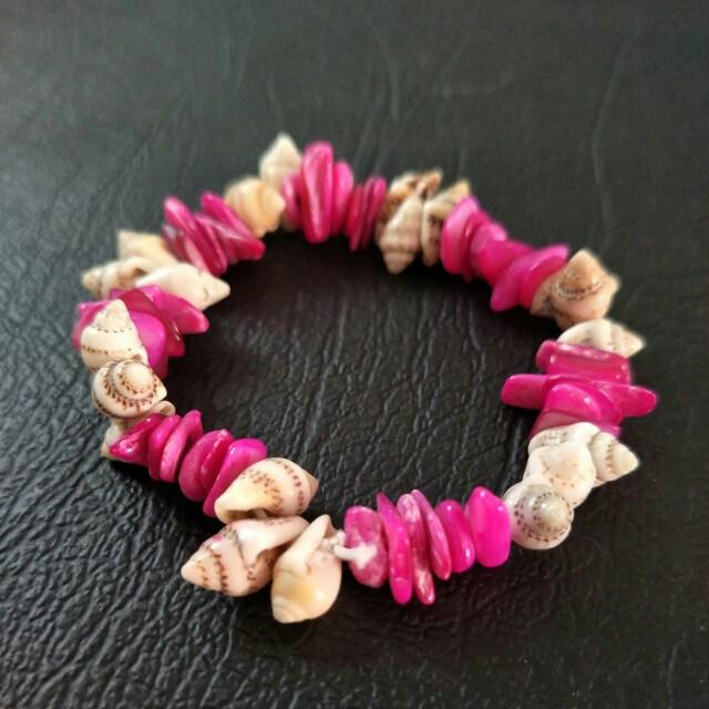 NEW Sea Shell Stretch Bracelet - Beach, Hawaii, Summer Holiday, Elastic, Hot Pink
