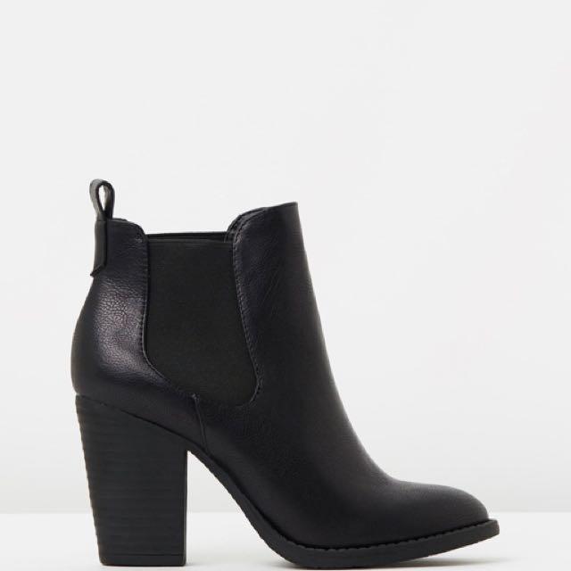 SPURR Jacinta gusset boots size 11