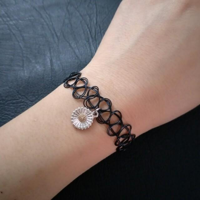 Sunflower Stretch Bracelet - Flower, Retro, Hippie, Festival, Black, Lace