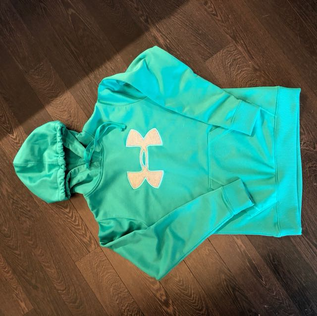 Under armour sweater hoodie